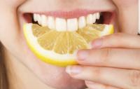 عواملی که حس بویایی و چشایی را تضعیف میکند.