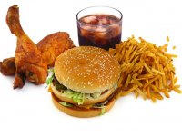 کاهش مصرف غذاهای پر چرب و سنگین سبب افزایش ایمنی بدن میشود