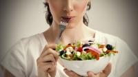 خوراکی های کم کالری را جایگزین خوراکی های پر کالری کنید