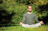 یوگا به تسکین احساس اضطراب کمک می کند
