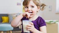 کودکان چند لیوان شیر بخورند؟