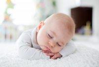 عوامل بیخوابی نوزاد چیست؟