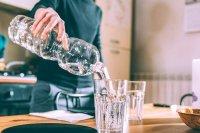 مزایای نوشیدن آب گرم در مقایسه با آب سرد